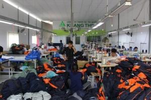#1 Xưởng may áo gió giá rẻ theo yêu cầu tại TPHCM
