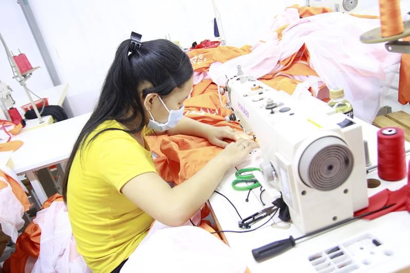 Công ty may áo khoác xuất khẩu 2
