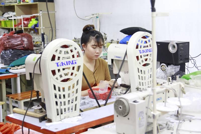 Giới thiêu công ty may áo khoác Khang Thịnh 1