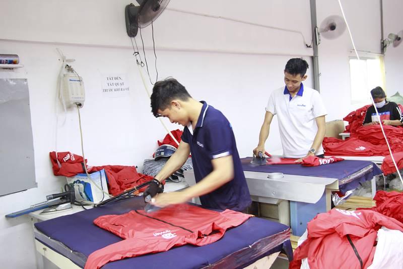 Xưởng may áo khoác da 2