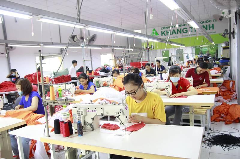 Xưởng may áo khoác nỉ Khang Thịnh